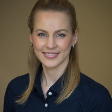 Dr. Anna Varno